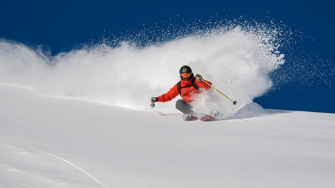 Skiing in Gulmarg (Option II) - Tour