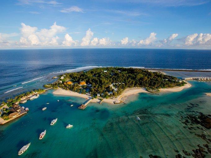 Holiday Island Resort and Spa 04*, Maldives Resorts - Tour