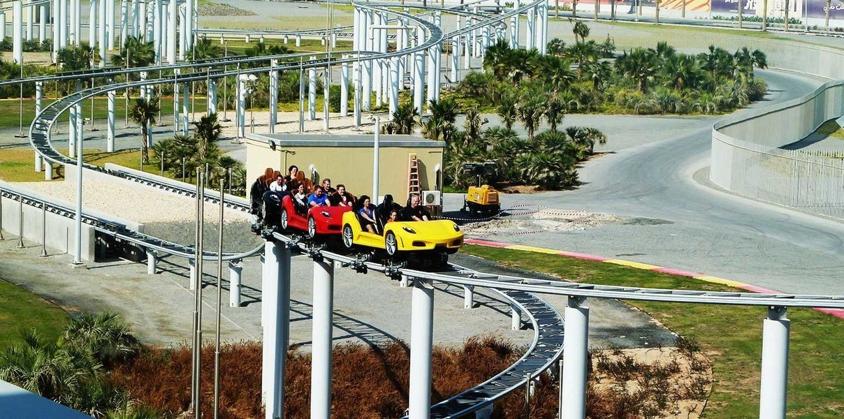 Ferrari World & Yas Water Park - Tour