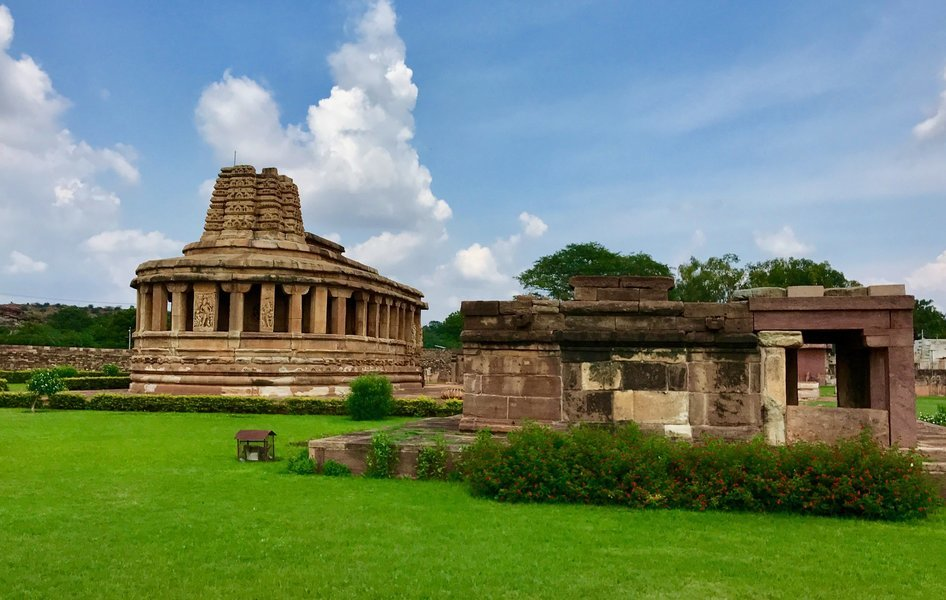 A Day in Badami, Sightseeing in Hampi - Tour