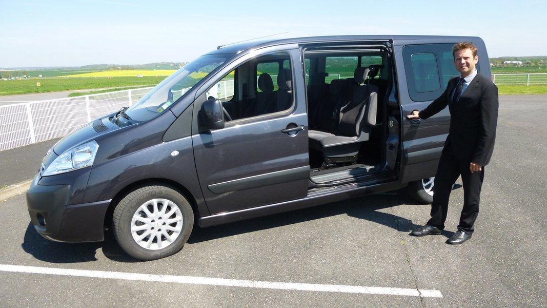 Airport Transfer from Gold Coast Hotel to Gold Coast Airport, Shared Transfers in Gold Coast - Tour