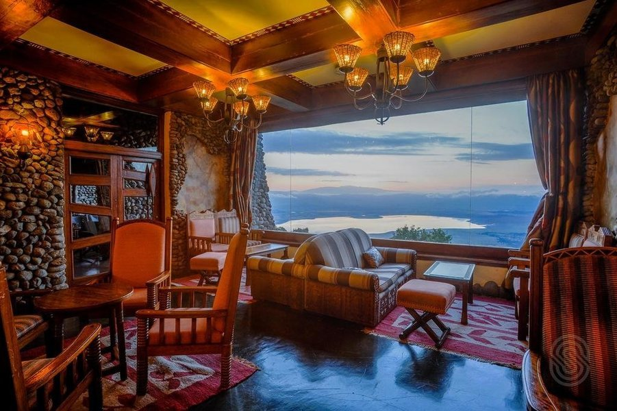 Ngorongoro Serena Safari Lodge - Tour