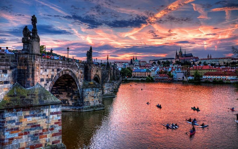 Prague City Tour with Boat & Drink, Sightseeing in Prague - Tour