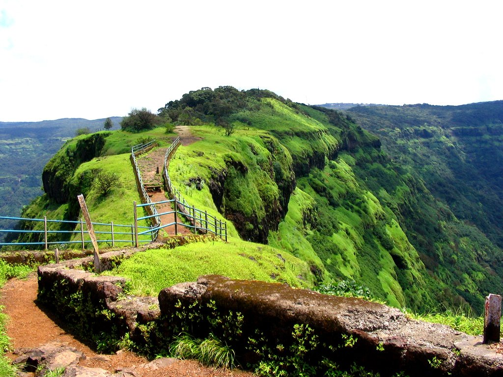 Mahabaleshwar Premium - 4 to 5 Star Hotels Package - Collection