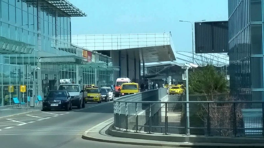 Airport Transfer from Prague Airport to Prague Hotel, Private transfers in Prague - Tour