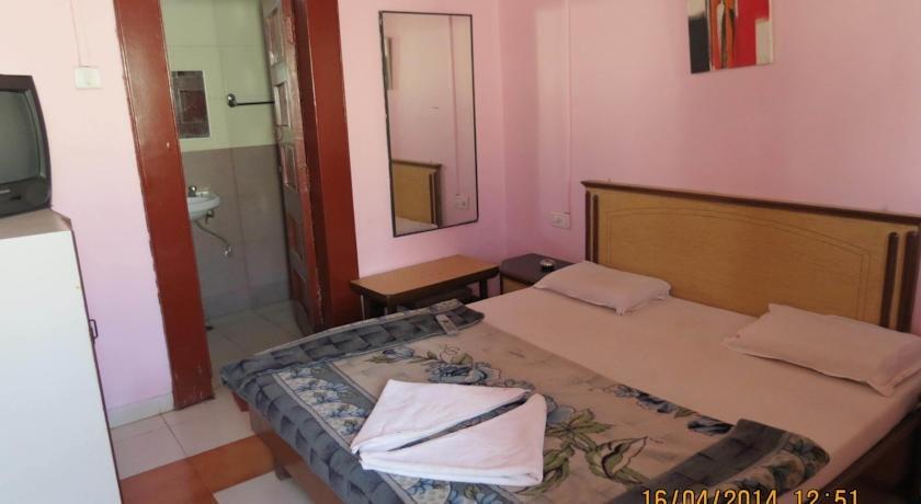 Sunny Classic Hotel Mahabaleshwar Tour - Tour