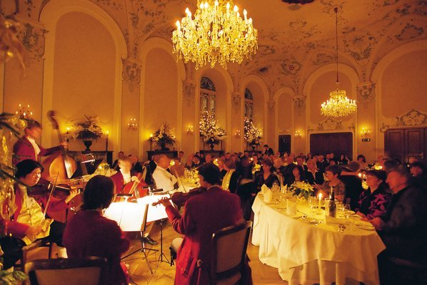 Mozart Dinner Concert, Sightseeing in Salzburg - Tour