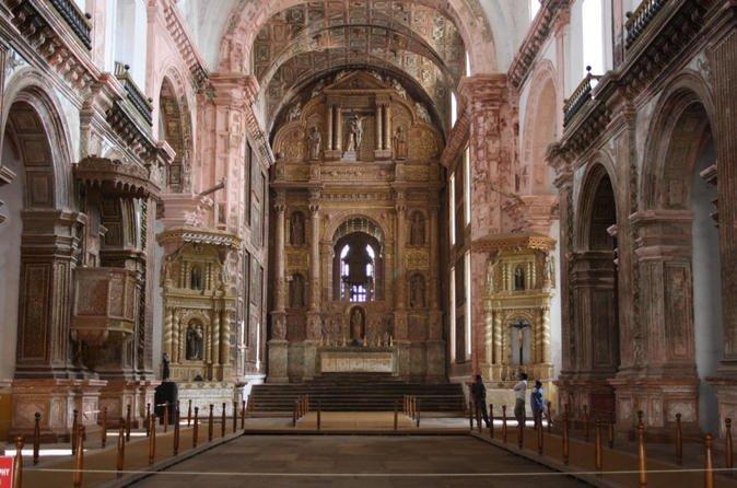 Discover Goa Private Heritage tour of Churches, Temple and Dona Paula Beach - Tour