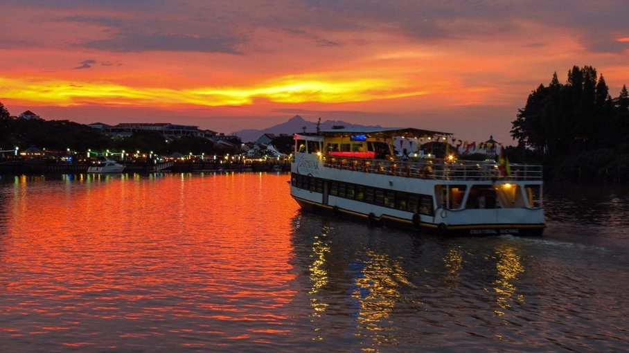 Sunset River Boat Cruise - Tour