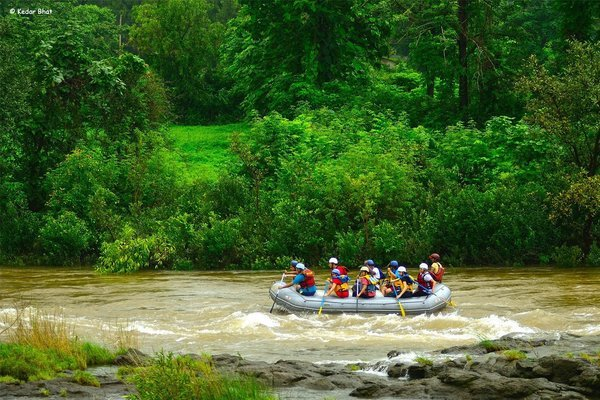 Weekends | Rafting + Lunch @ Hans Resort - Tour