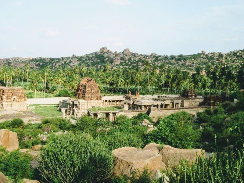 Hampi – Badami backpacking trip (Where every structure is a wonder) - Tour