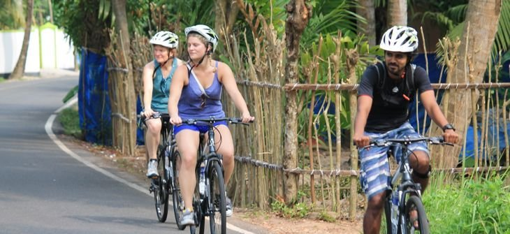 Kochi to Alleppey (or vice versa) private bike tour - Tour