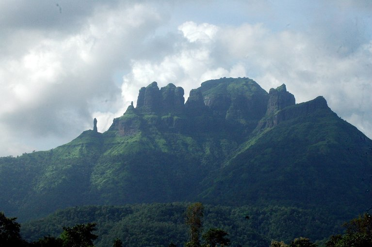 Mahuli Fort Trek - Tour