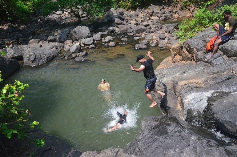 Chinchoti Waterfalls Trek - Tour