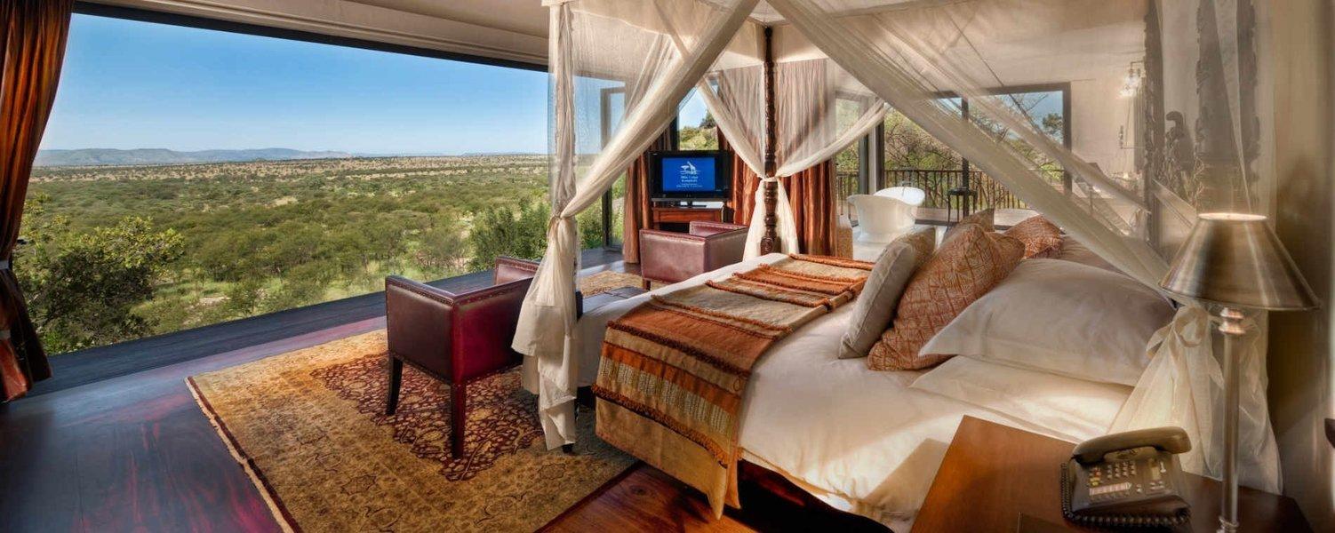 Four Seasons Lodge - Serengeti. - Tour