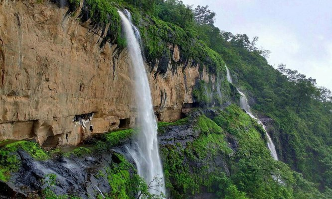 Ganpati Gadad Caves Trek - Tour