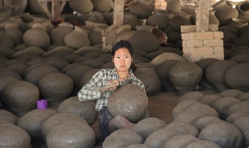 The Region emerging the Burmese Pottery - Twantwe - Tour
