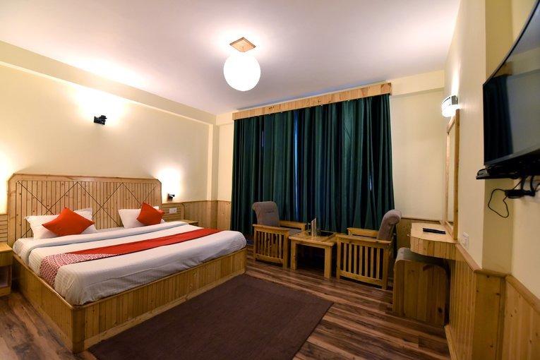 Astral Hotel Mahabaleshwar Tour | Hotels in Mahabaleshwar - Gotravelics - Tour
