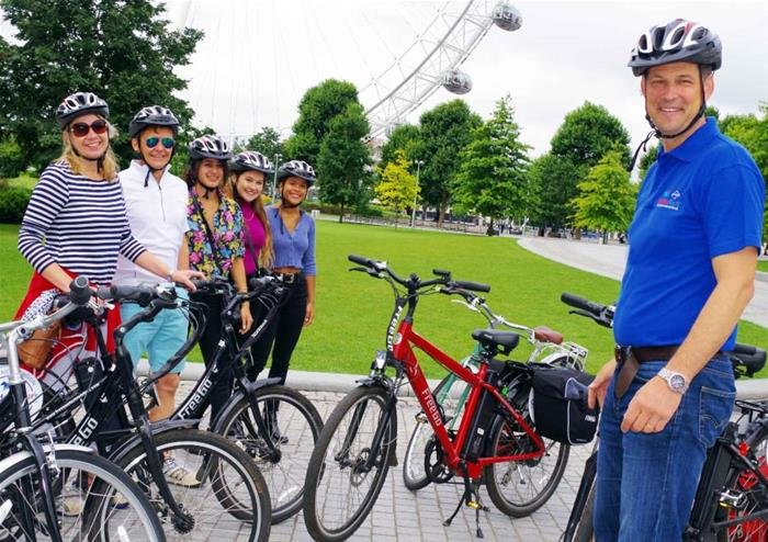 Royal Parks and Palaces Bike Tour of London - Electric Bike - Tour