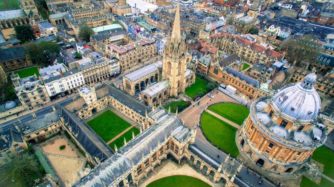 Oxford and Cambridge Tour with Free Lunch Pack - Tour