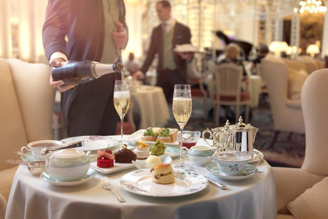 Afternoon Tea in London - Collection