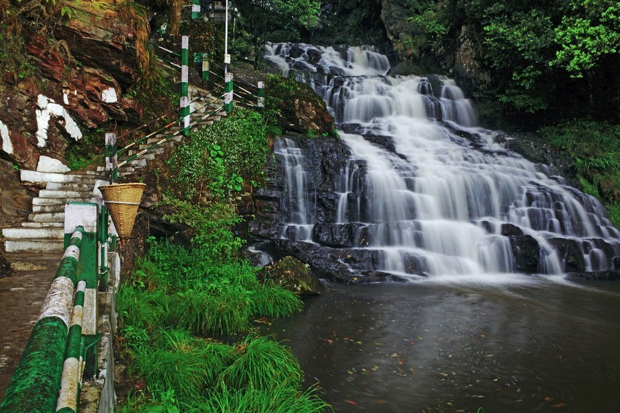 Assam and Meghalay 5 nights 6 Days Taxi tour ex Guwahati - Tour