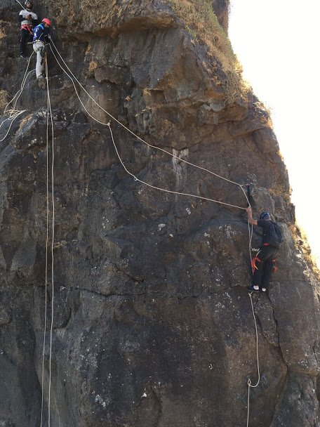 VRangers Tailbaila 1st Wall Climb and Rappel - Tour