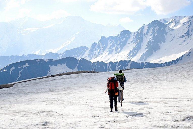 Trek to Hampta pass & Chandrataal lake - Tour