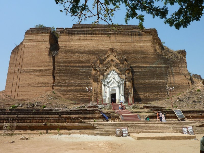 Explore the ancient cities of Mandalay - Tour