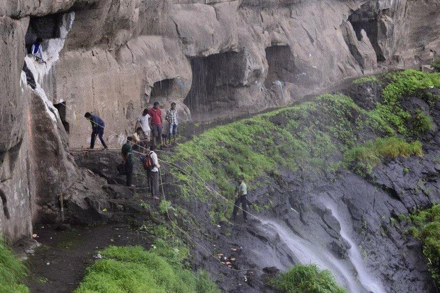 VRangers Waterfall Rappelling at Ganpati Gadad - Tour