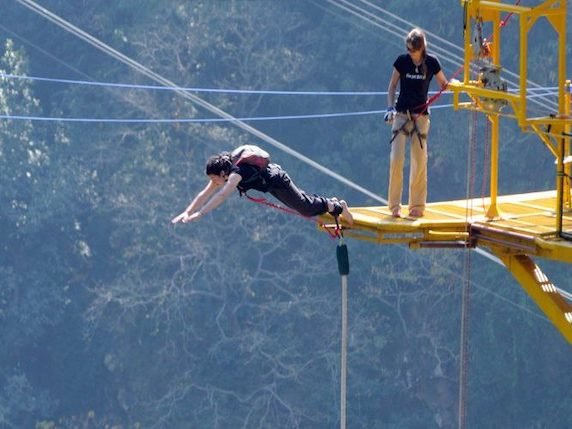 Bungee-jumping-1-768x495