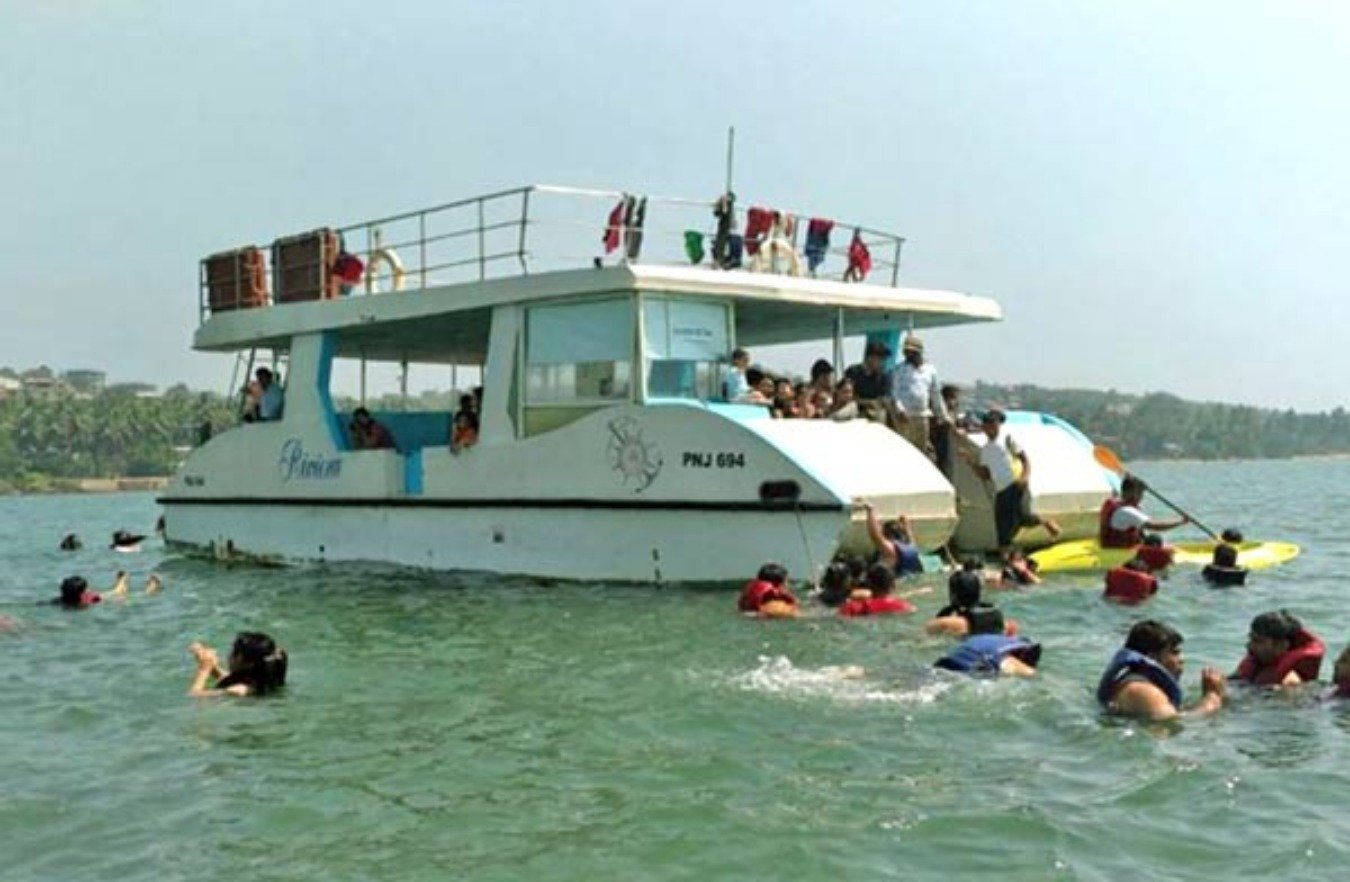 Adventure Boat Party trip in Goa - Tour