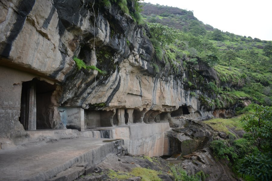 Fort Shivneri and Tulja Caves - Tour