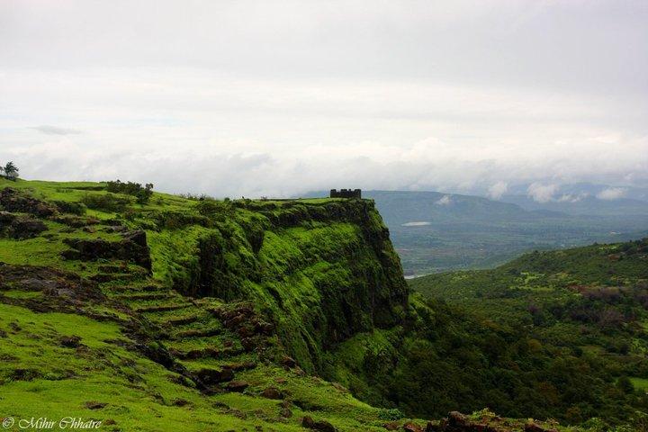 Trek to Fort Visapur - Tour