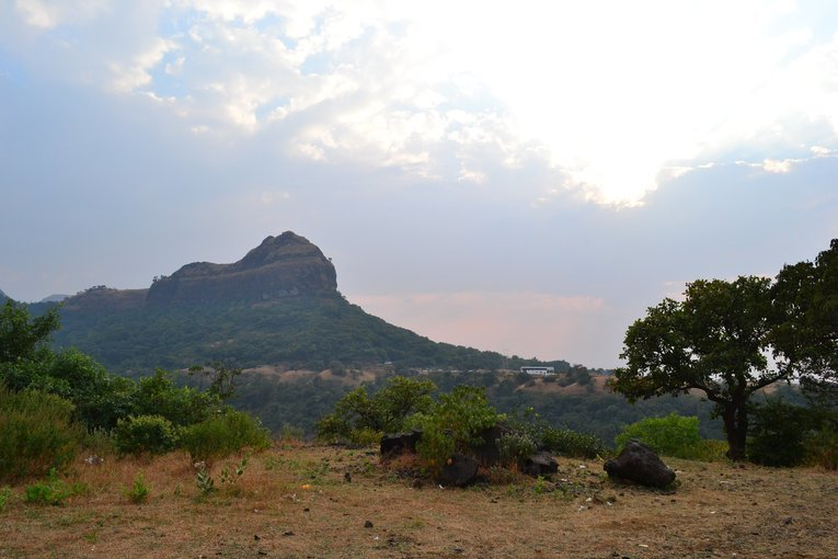 Overnight Excursion at Durshet with Trek to Fort Sudhagad - Tour
