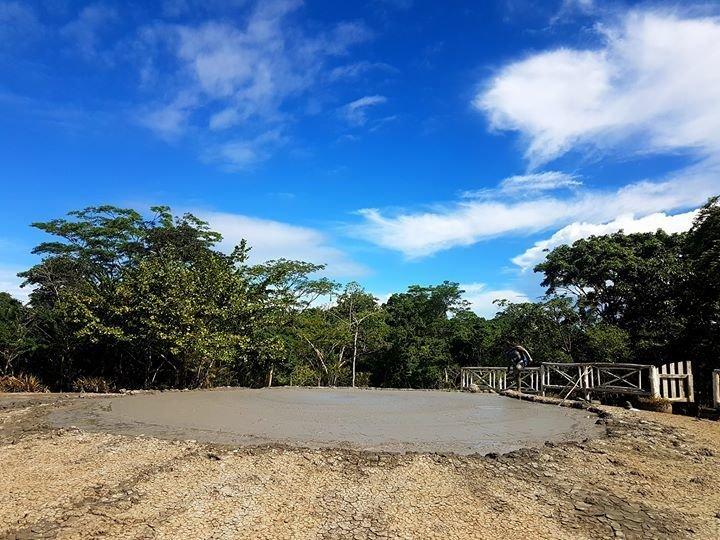 L'Eau Michel Mud Volcano Tour - Tour