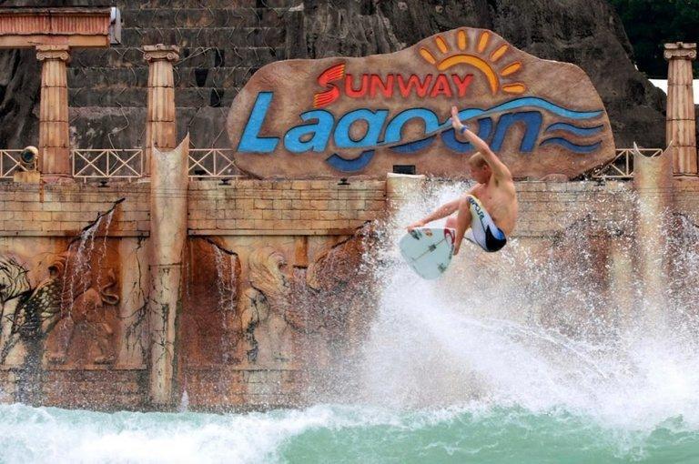 Sunway Lagoon Water Theme Park - Tour