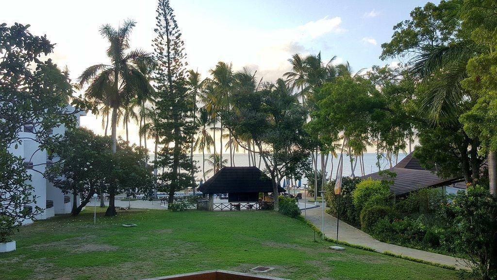 Kenya Bay Beach Hotel - Tour