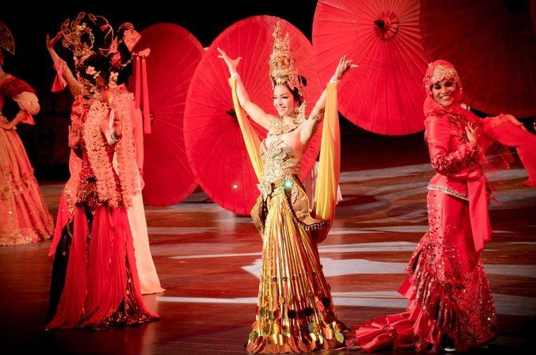 Colosseum Show Pattaya Ticket - Tour