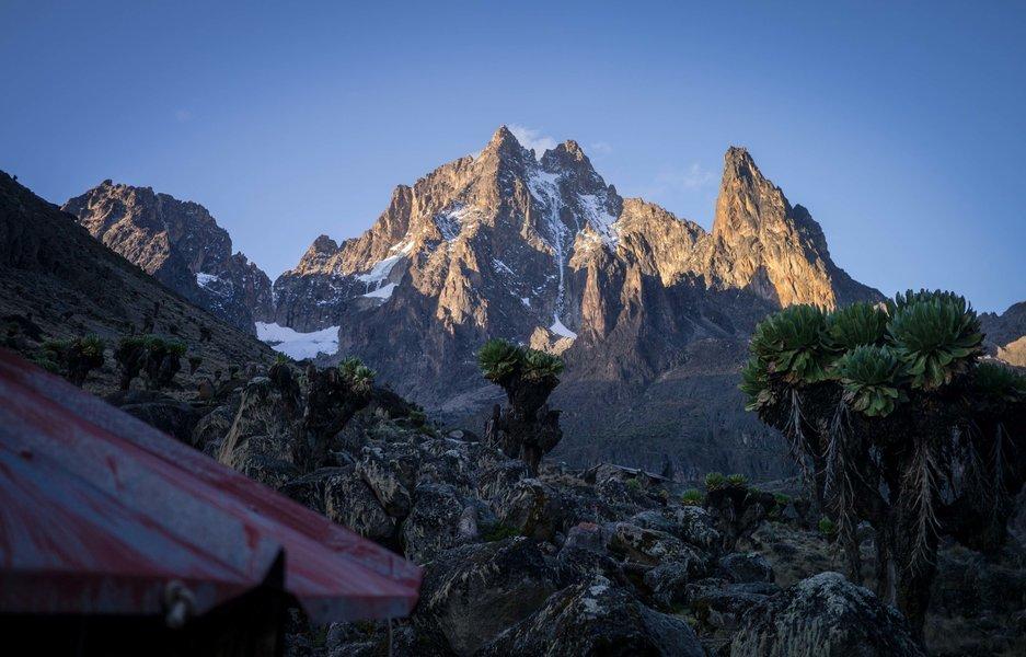 Mount Kenya Hike: Chogoria Route - Tour
