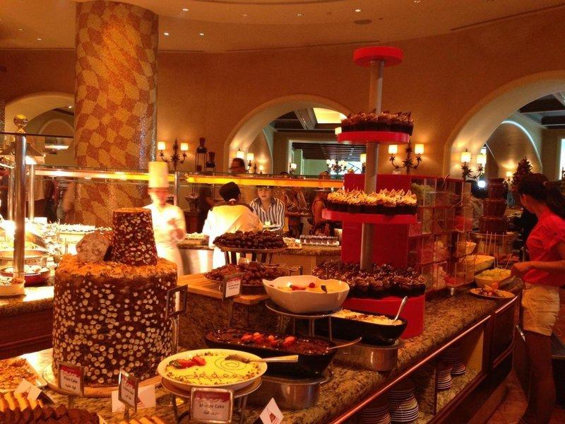 Saffron Buffet Restaurant in Atlantis the Palm - Tour