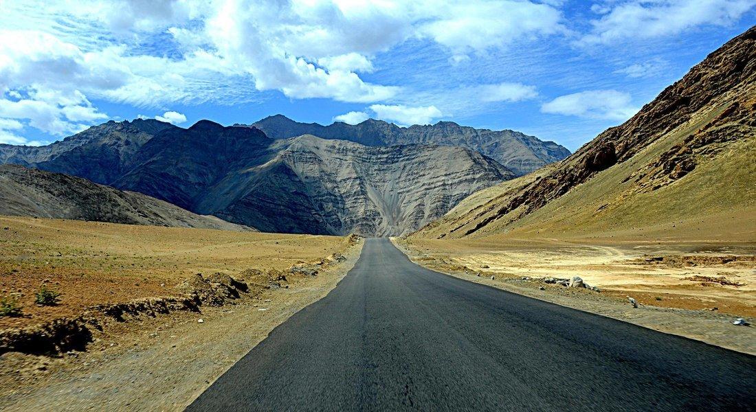 7N/8D  in Leh-Ladakh via Kashmir - Tour