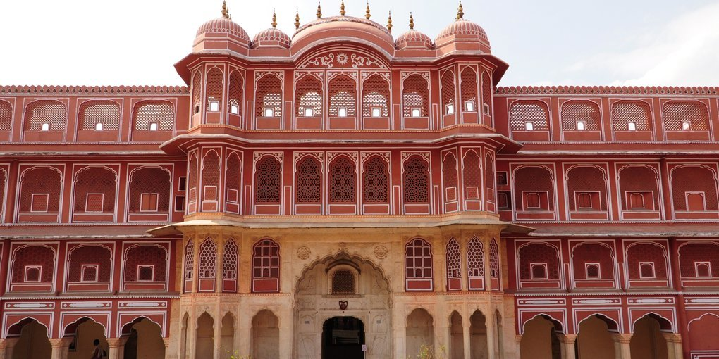 Forts and Palaces of Jaipur Private Half Day Tour - Tour