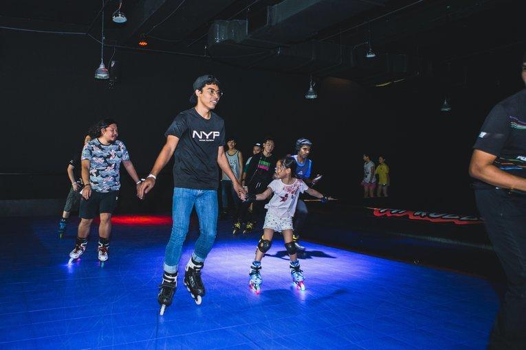 Hi Roller Indoor Skating Ticket - Tour