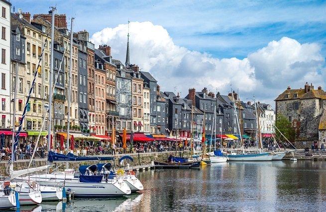 Enjoy Normandie Tour with Minivan - Tour