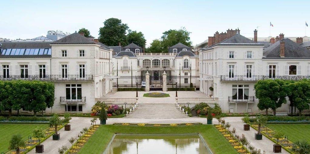 Champagne Tour with Minivan (Moet & Chandon House) - Tour