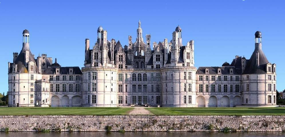 Chateaux De La Loire with Minivan - Tour
