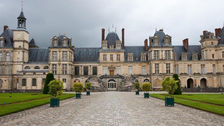 Visit Fontainebleau with Minivan - Tour
